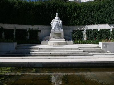 Empress Elizabeth Monument