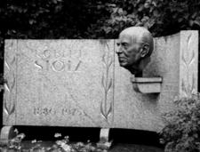 Robert Stolz Bust
