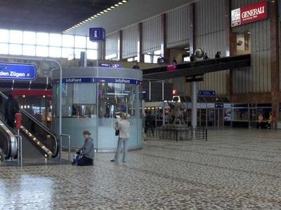 The Main Hall Of The Südbahnhof