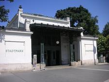 The U-Bahn Station Stadtpark