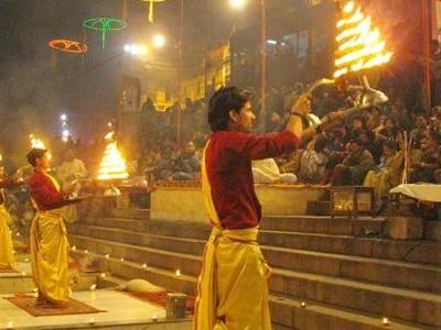 Evening  Ganga  Aarti  2 C At  Dashashwamedh Ghat  2 C  Varanasi