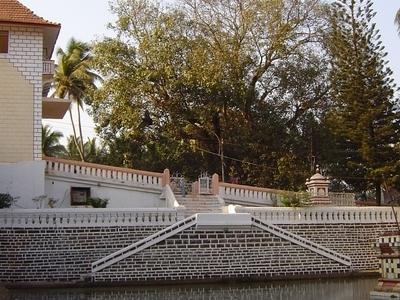 Shanta  Durga  Temple  Complex  Lake