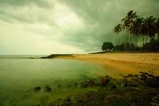 Mengunjungi Batu Layar Lombok
