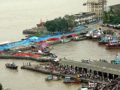 Sassoon  Docks Overhead