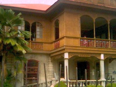 Balay Negrense On Cinco De Noviembre Street