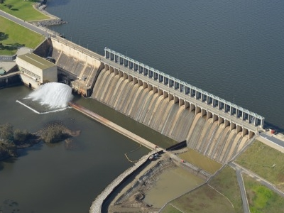 Hume Dam And Spillway