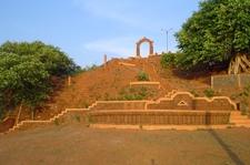 Overbury's Folly, Thalassery
