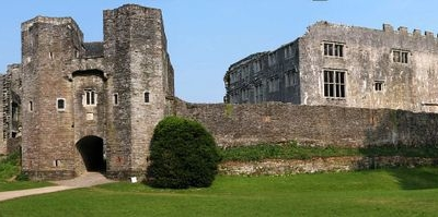 The Gatehouse And Curtain Wall