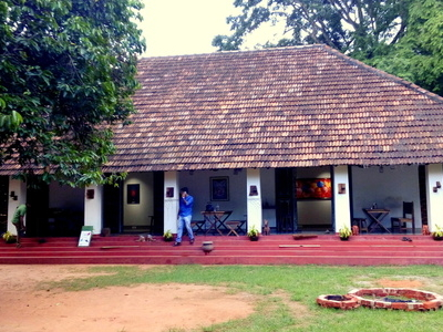 Parambarya Building In Asramam Picnic Village