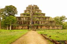 Koh Ker Temple 1 700pixel