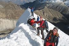 Cumbre Urus Valle Ishinca Juventino Guide