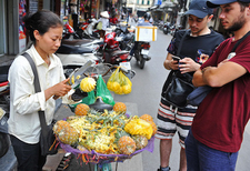 Hanoi Street Food Tour With Local Guide