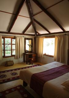 Acacia House Master Room Lr