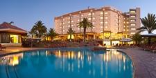 Safari Court Hotel Pool