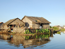 Kompong Khleang Floating Village 10 800x600