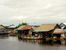 Mechrey Floating Village 06 800x600