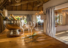 Tongabezi Lodge Dining Room Bar 3 Crop500x357