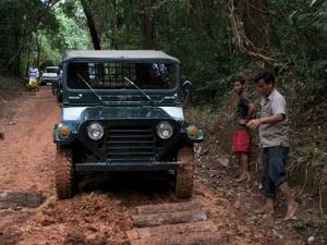 Jeep Tour Phnom Koulen Photos