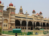 Palaces, Plantations and Beach in South India