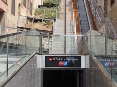 Metro Entrance From El Coll
