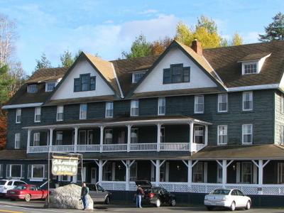 Adirondack  Hotel