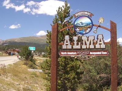 Alma Town Sign