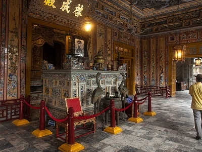 Altar Of Khai Dinh At Thien Dinh Palace