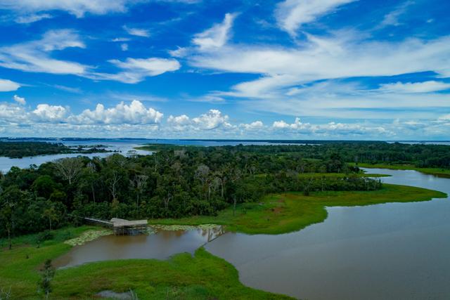 Amazon! Rivers' Sleep Over Tour Photos