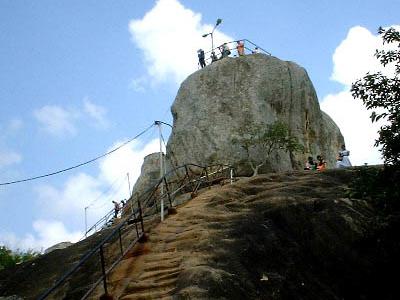 Aradhana Gala, Where The Arahant Mahinda Landed