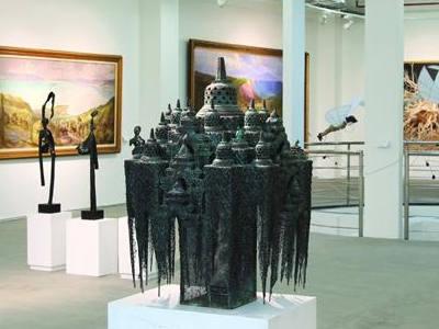 Art:1 New Museum & Art Space - View
