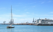 Auckland City Waterfront & Hauraki Gulf NZ