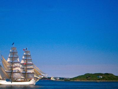 Acadie  Sails  Halifax