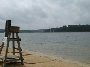 Barren Lago Río