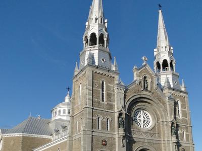 Basilique  Sainte   Anne De  Varennes