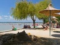 Beach in Diás
