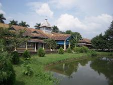 B N College