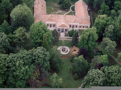 Bonyhád Garden