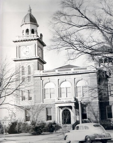 Bradley County Courthouse In Downtown Warren