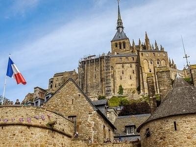 Bricks & Flag - Mont-St-Michel