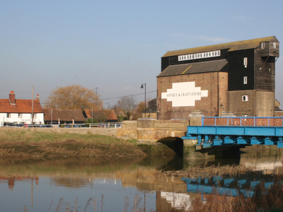 The Bridge And Antiques Centre