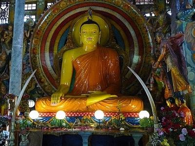 Buddha Statue At Gangaramaya Temple