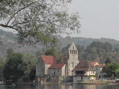Beaulieu Sur Dordogne And Dordogne View From Altillac