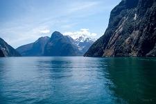 Calm Waters @ Milford Sound - Fiordland NZ