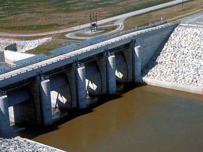Carlyle Lake Dam Gates