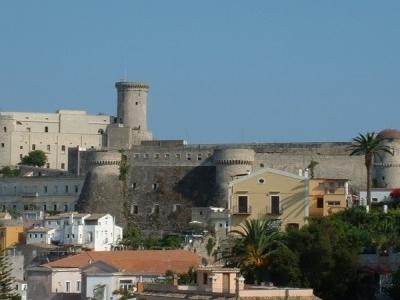 Castello Angioino Aragonese  Wiki