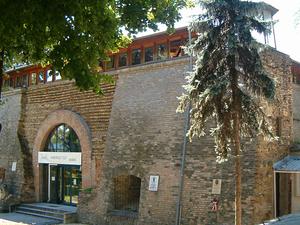 Castle Museum y la galería de piedra