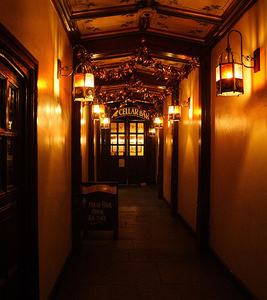 Cittie Of Yorke Inside