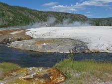 Cliff Geyser - Yellowstone - USA
