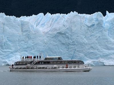 Cruising Along Glaciar Perito Moreno In Argentina
