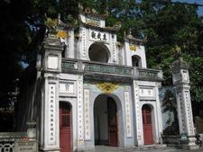 Quán Thánh Temple
